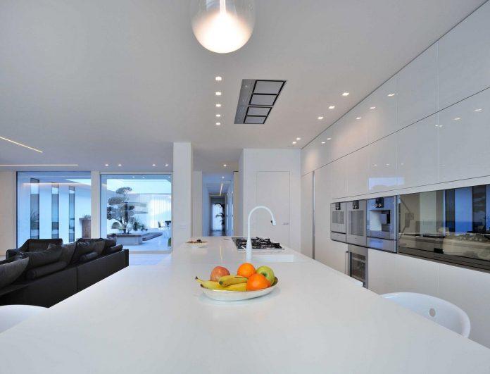 renovation-expansion-house-light-porto-viro-italy-davide-ferro-07
