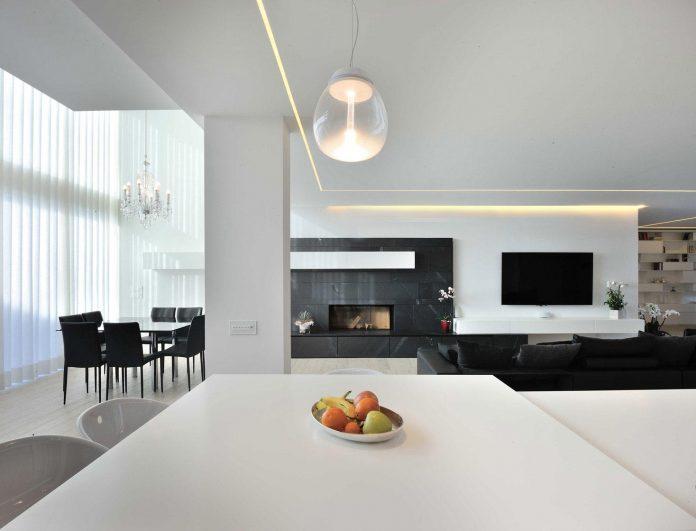 renovation-expansion-house-light-porto-viro-italy-davide-ferro-08