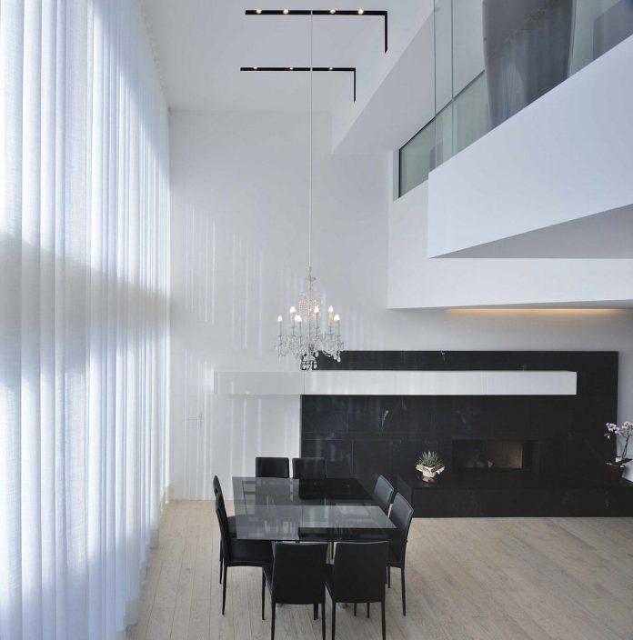 renovation-expansion-house-light-porto-viro-italy-davide-ferro-09
