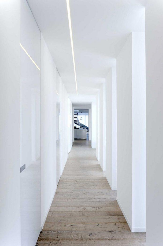 renovation-expansion-house-light-porto-viro-italy-davide-ferro-11