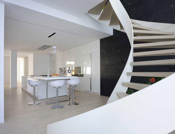 renovation-expansion-house-light-porto-viro-italy-davide-ferro-12
