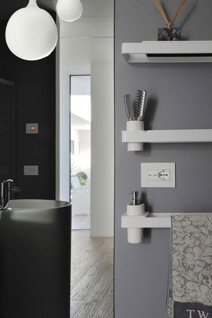 renovation-expansion-house-light-porto-viro-italy-davide-ferro-13