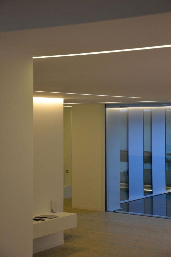 renovation-expansion-house-light-porto-viro-italy-davide-ferro-15