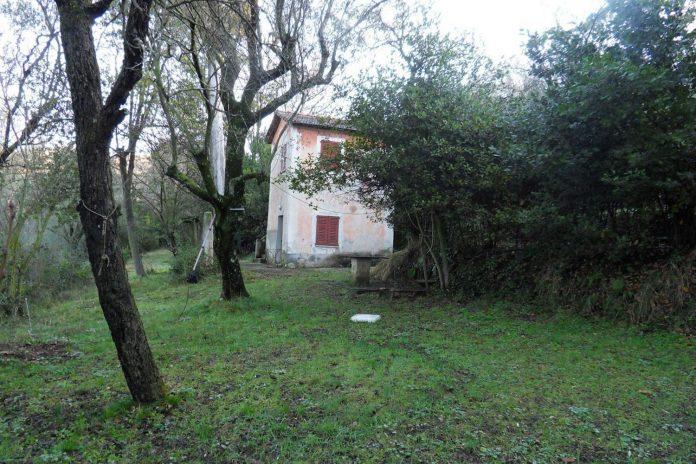rural-home-renovation-sclos-de-contes-near-nice-france-designed-cyril-chenebeau-architecte-01