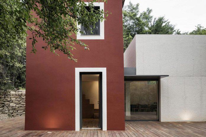 rural-home-renovation-sclos-de-contes-near-nice-france-designed-cyril-chenebeau-architecte-06