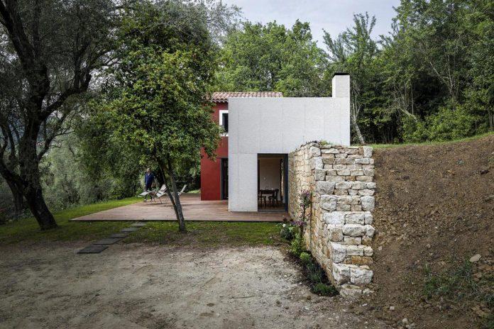 rural-home-renovation-sclos-de-contes-near-nice-france-designed-cyril-chenebeau-architecte-08