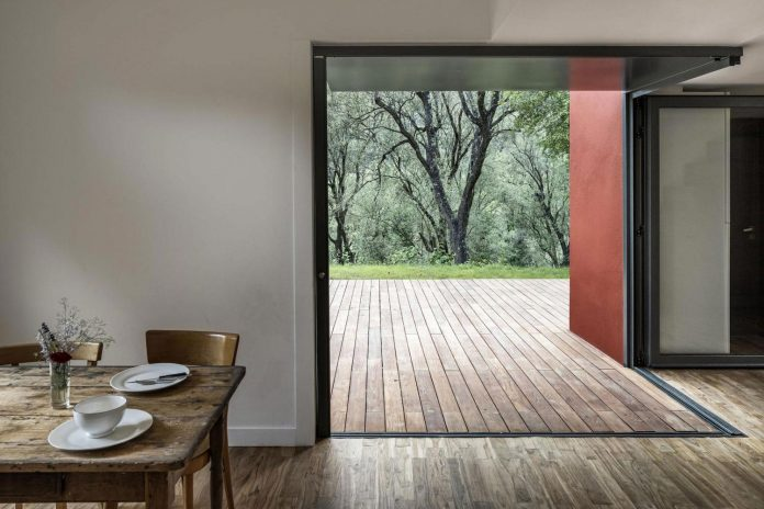 rural-home-renovation-sclos-de-contes-near-nice-france-designed-cyril-chenebeau-architecte-13