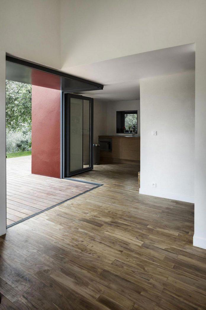 rural-home-renovation-sclos-de-contes-near-nice-france-designed-cyril-chenebeau-architecte-14