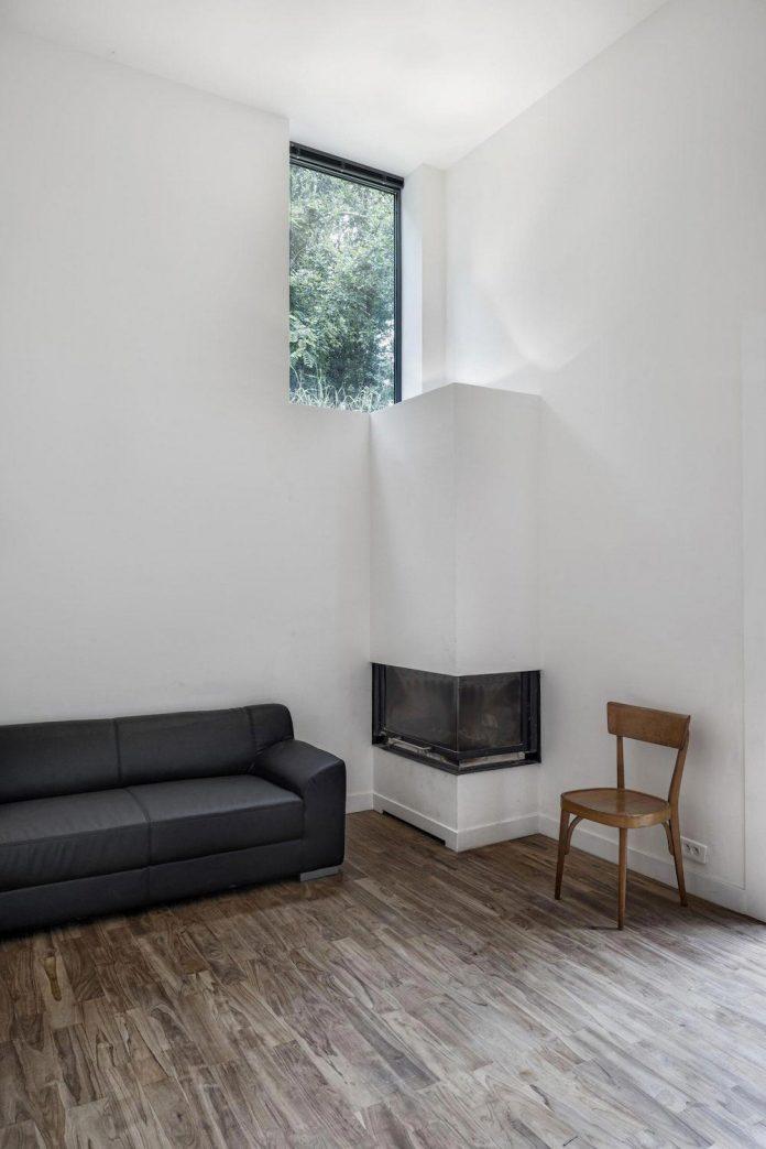 rural-home-renovation-sclos-de-contes-near-nice-france-designed-cyril-chenebeau-architecte-15