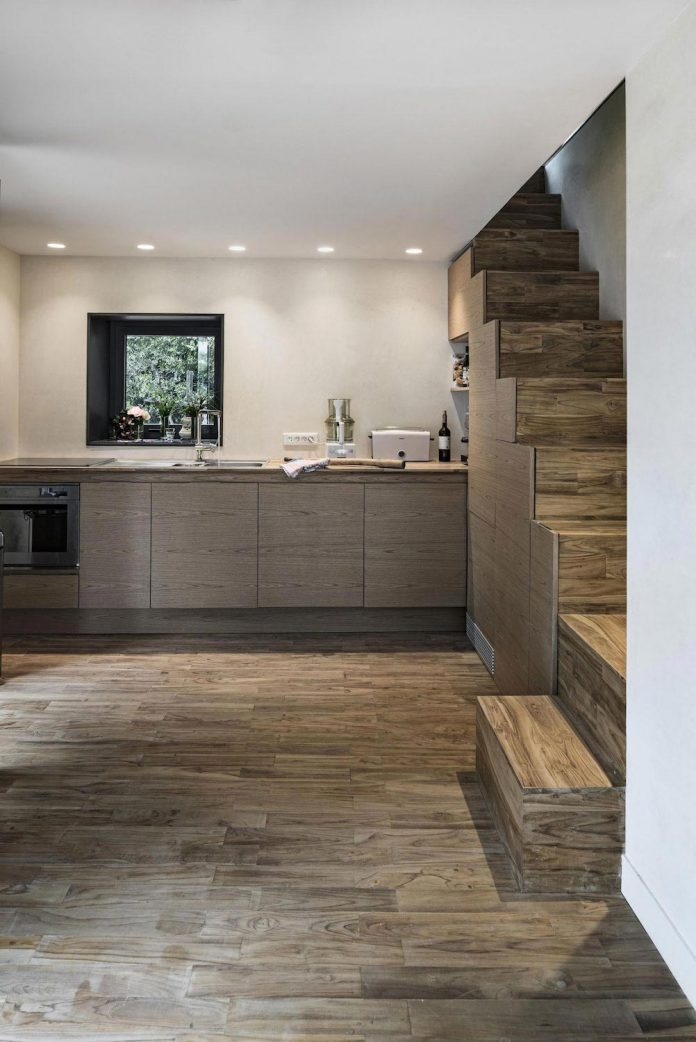 rural-home-renovation-sclos-de-contes-near-nice-france-designed-cyril-chenebeau-architecte-19