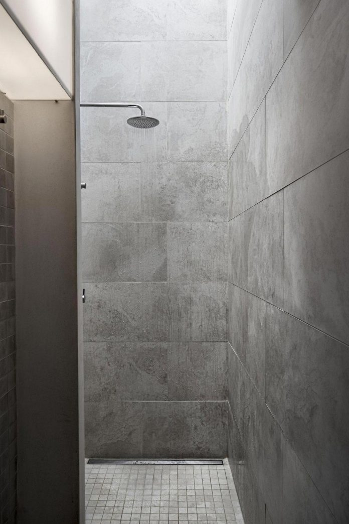 rural-home-renovation-sclos-de-contes-near-nice-france-designed-cyril-chenebeau-architecte-21