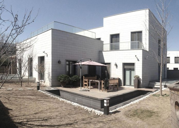 shunyi-pure-white-two-floor-house-near-beijing-remix-studio-01