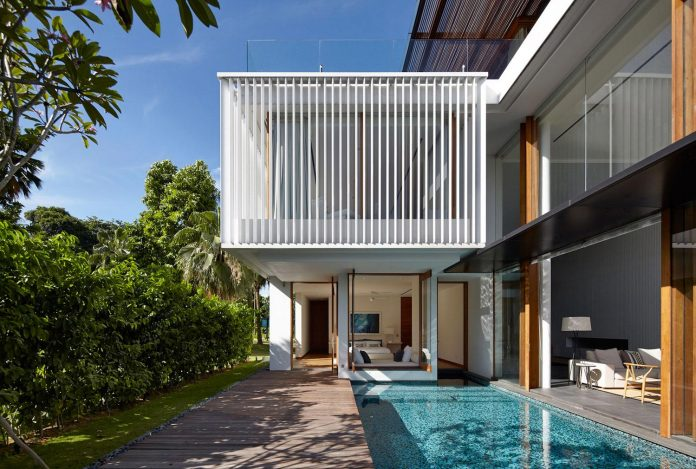 sophisticated-no-2-house-singapore-robert-greg-shand-architects-02