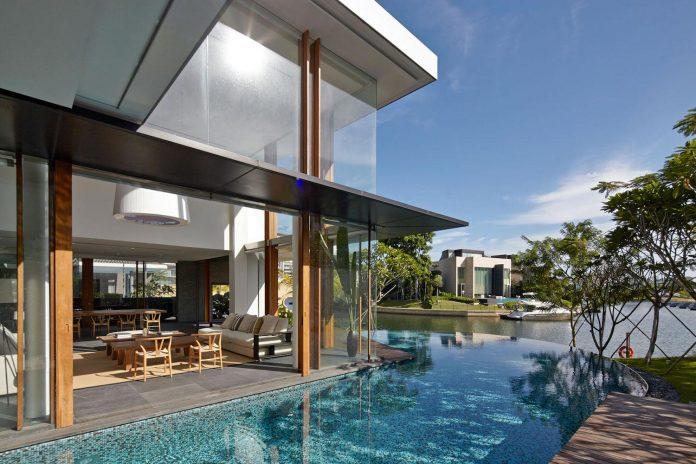 sophisticated-no-2-house-singapore-robert-greg-shand-architects-03