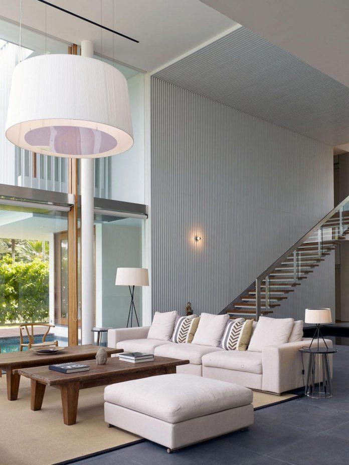 sophisticated-no-2-house-singapore-robert-greg-shand-architects-11