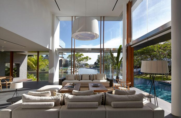 sophisticated-no-2-house-singapore-robert-greg-shand-architects-12