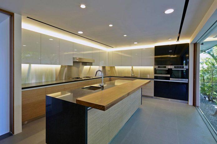 sophisticated-no-2-house-singapore-robert-greg-shand-architects-15