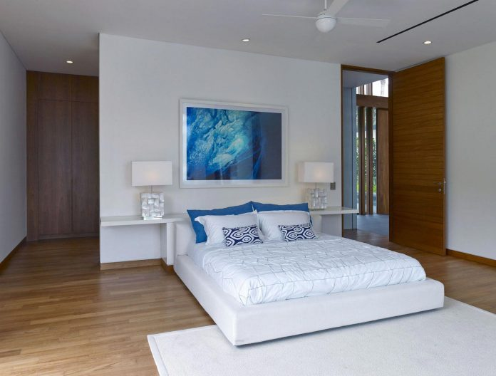 sophisticated-no-2-house-singapore-robert-greg-shand-architects-20