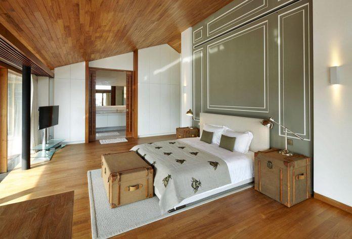 sophisticated-no-2-house-singapore-robert-greg-shand-architects-22