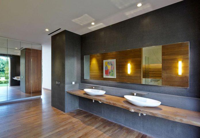 sophisticated-no-2-house-singapore-robert-greg-shand-architects-25