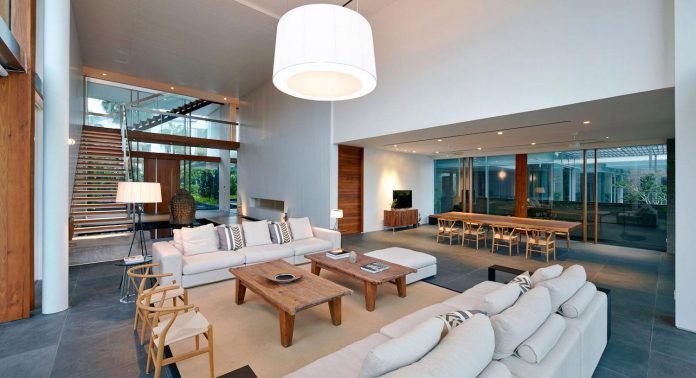 sophisticated-no-2-house-singapore-robert-greg-shand-architects-33