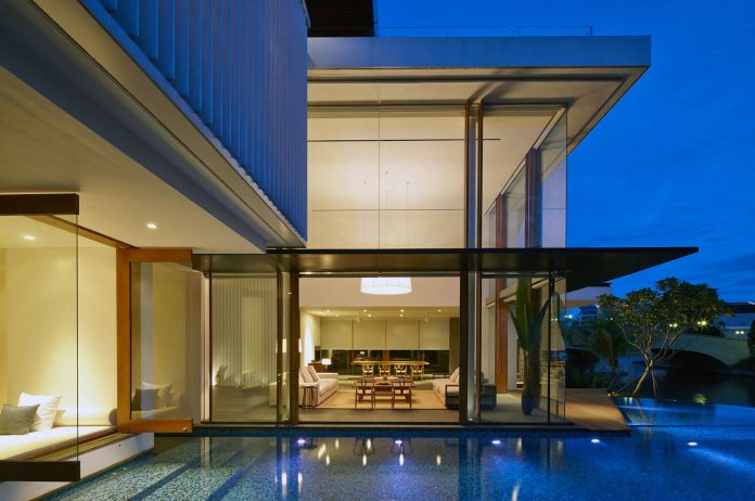 sophisticated-no-2-house-singapore-robert-greg-shand-architects-37