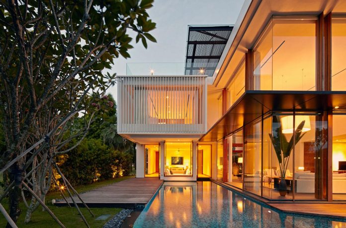 sophisticated-no-2-house-singapore-robert-greg-shand-architects-38
