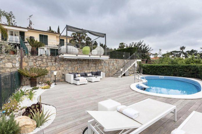 sophisticated-villa-bordighera-italy-designed-bright-natural-colours-sand-stone-sea-01