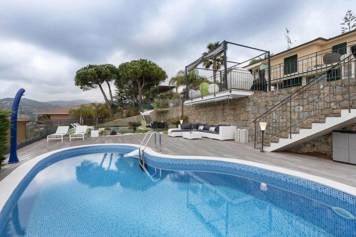 sophisticated-villa-bordighera-italy-designed-bright-natural-colours-sand-stone-sea-03