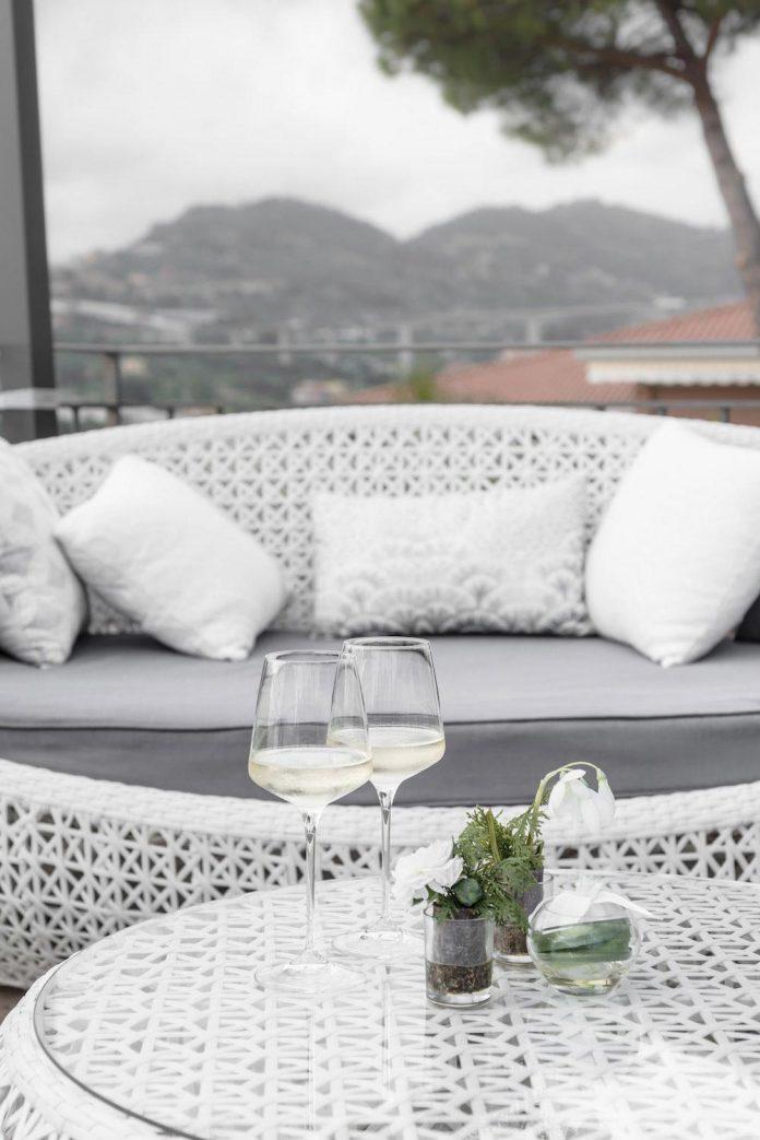 sophisticated-villa-bordighera-italy-designed-bright-natural-colours-sand-stone-sea-06