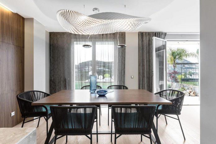 sophisticated-villa-bordighera-italy-designed-bright-natural-colours-sand-stone-sea-15