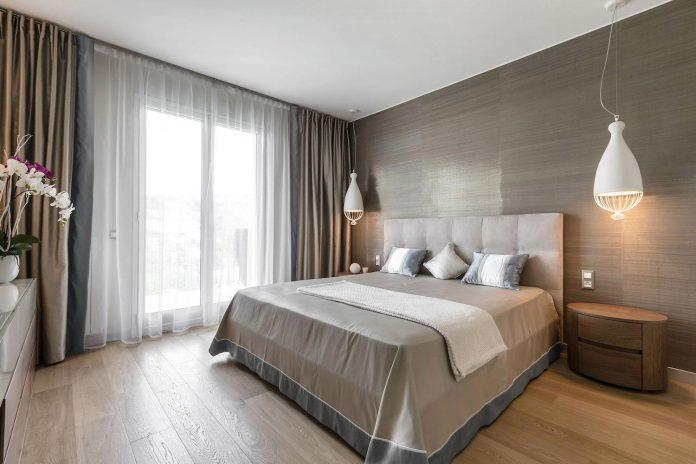 sophisticated-villa-bordighera-italy-designed-bright-natural-colours-sand-stone-sea-19