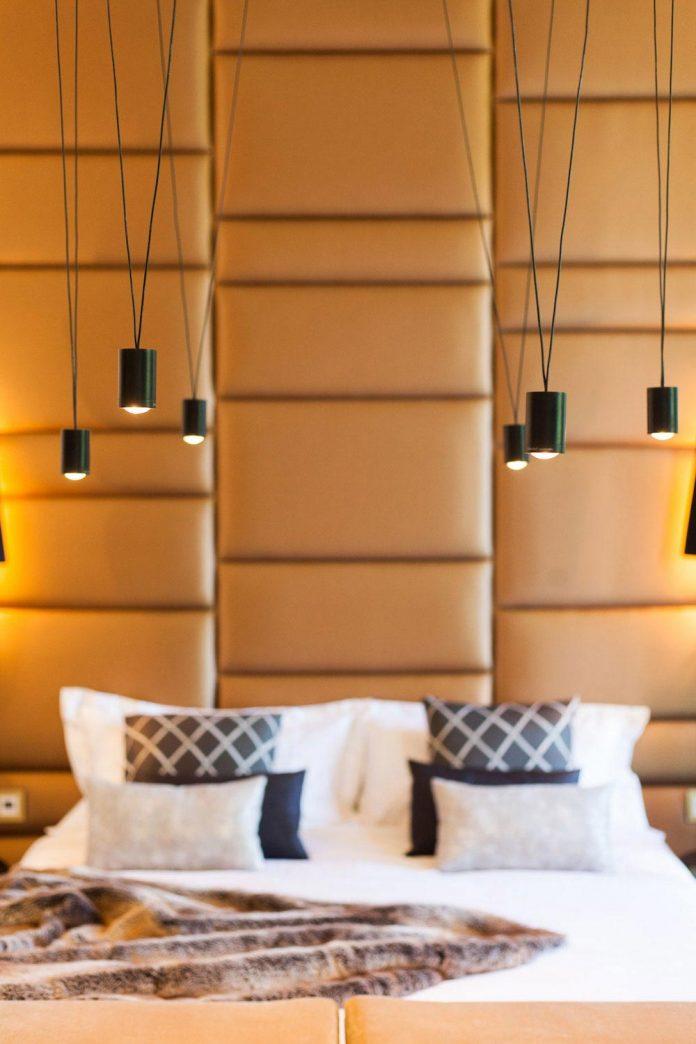 suite-splendeur-mix-different-styles-elements-rustic-barroco-modern-minimal-disak-diseno-de-interiores-05