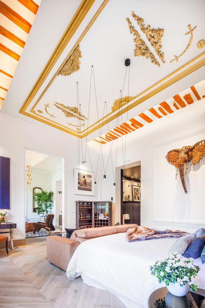 suite-splendeur-mix-different-styles-elements-rustic-barroco-modern-minimal-disak-diseno-de-interiores-08