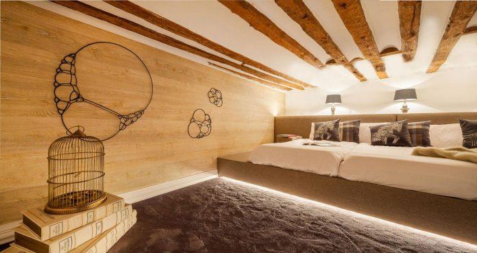 suite-splendeur-mix-different-styles-elements-rustic-barroco-modern-minimal-disak-diseno-de-interiores-10