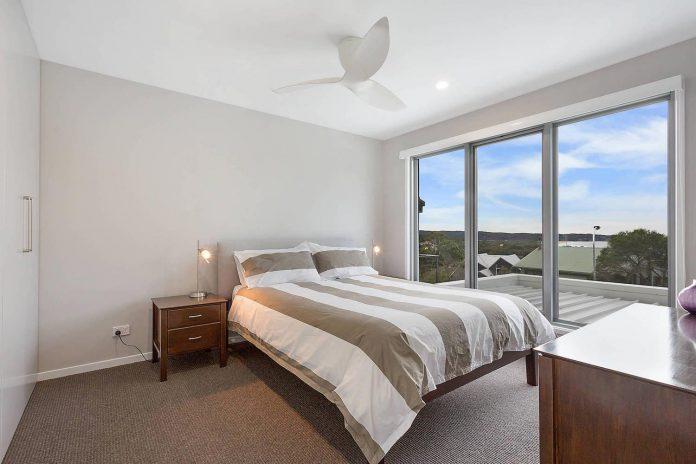tathra-residence-designed-dream-design-build-terraced-hill-home-maximises-magnificent-ocean-views-08