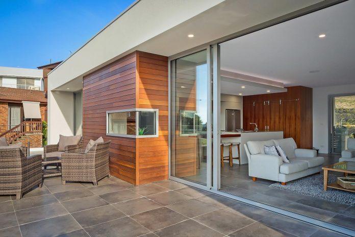 tathra-residence-designed-dream-design-build-terraced-hill-home-maximises-magnificent-ocean-views-09