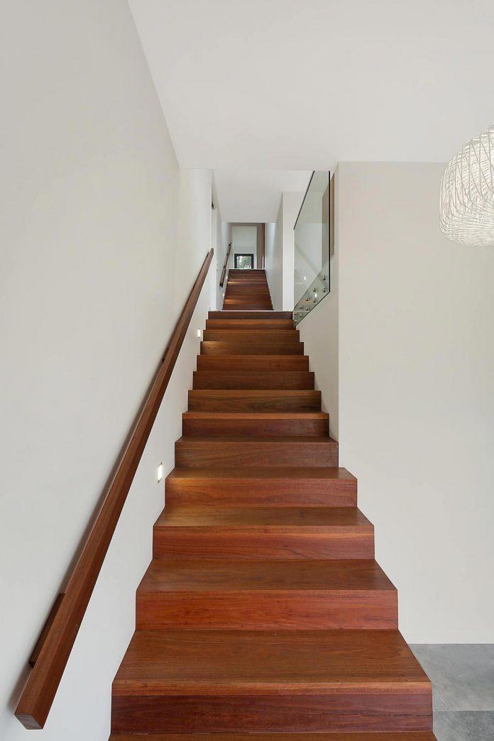 tathra-residence-designed-dream-design-build-terraced-hill-home-maximises-magnificent-ocean-views-10