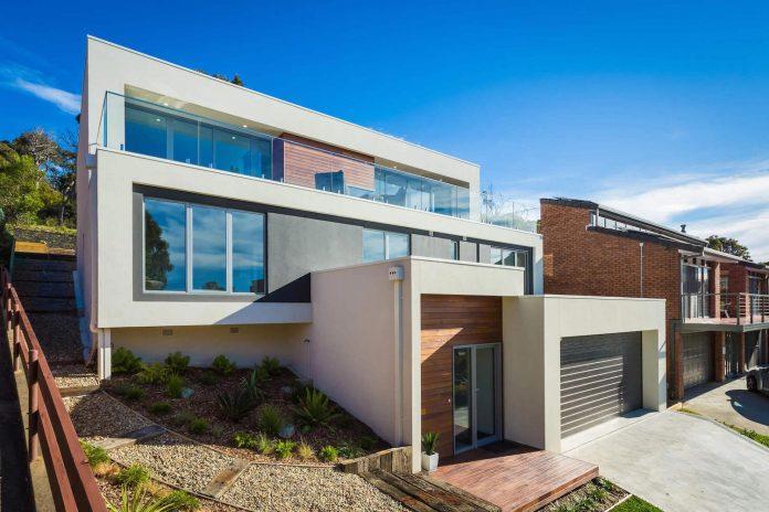 tathra-residence-designed-dream-design-build-terraced-hill-home-maximises-magnificent-ocean-views-12