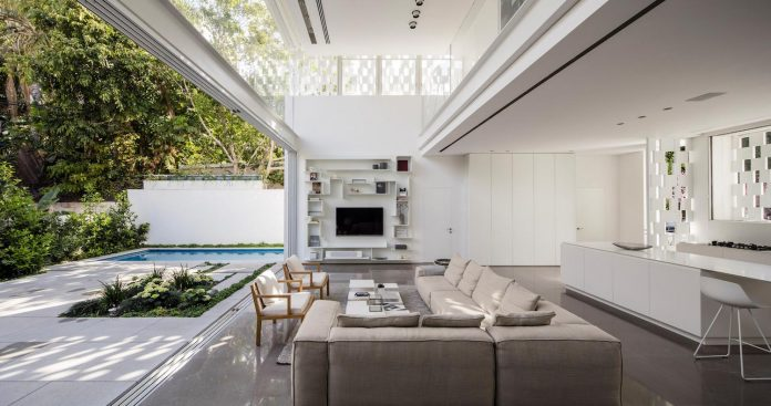 tel-aviv-contemporary-home-awesome-open-space-living-room-pitsou-kedem-architects-16
