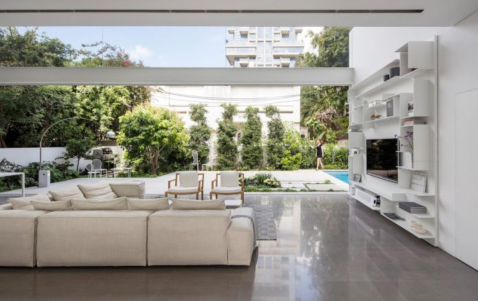 tel-aviv-contemporary-home-awesome-open-space-living-room-pitsou-kedem-architects-18