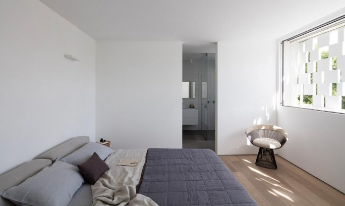 tel-aviv-contemporary-home-awesome-open-space-living-room-pitsou-kedem-architects-20