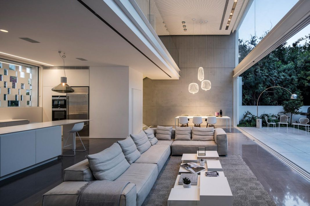 tel aviv contemporary home with an awesome open space living room