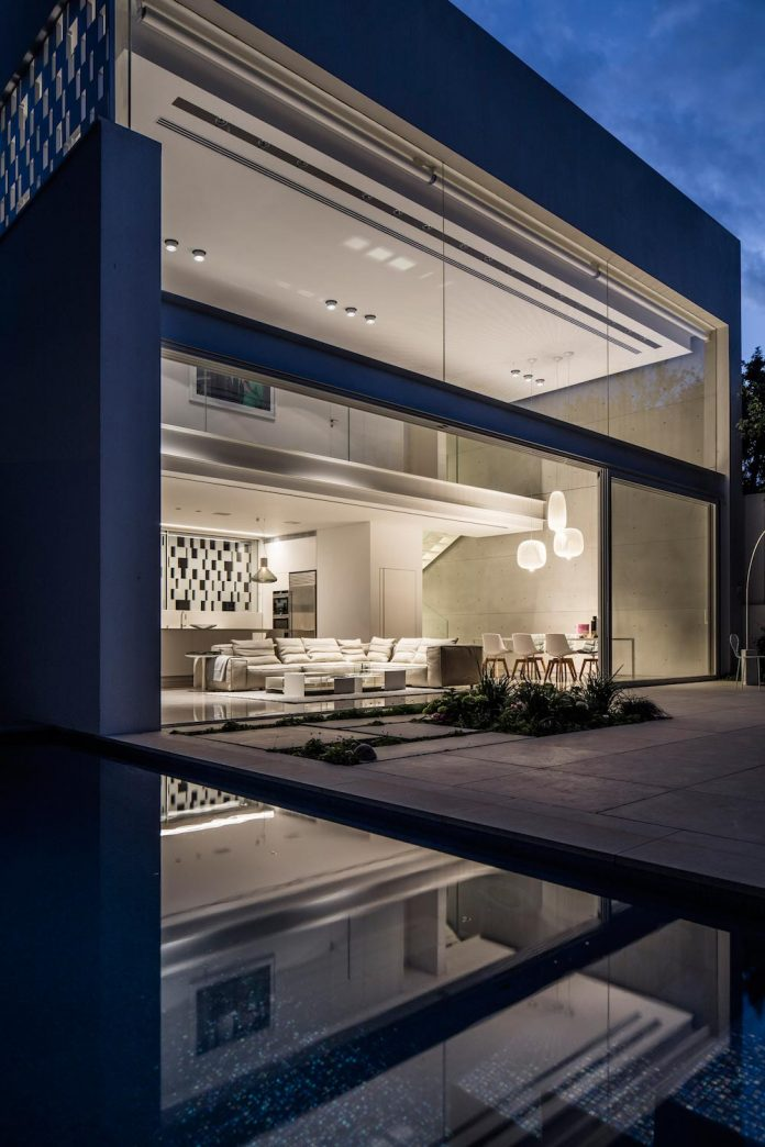 tel-aviv-contemporary-home-awesome-open-space-living-room-pitsou-kedem-architects-26