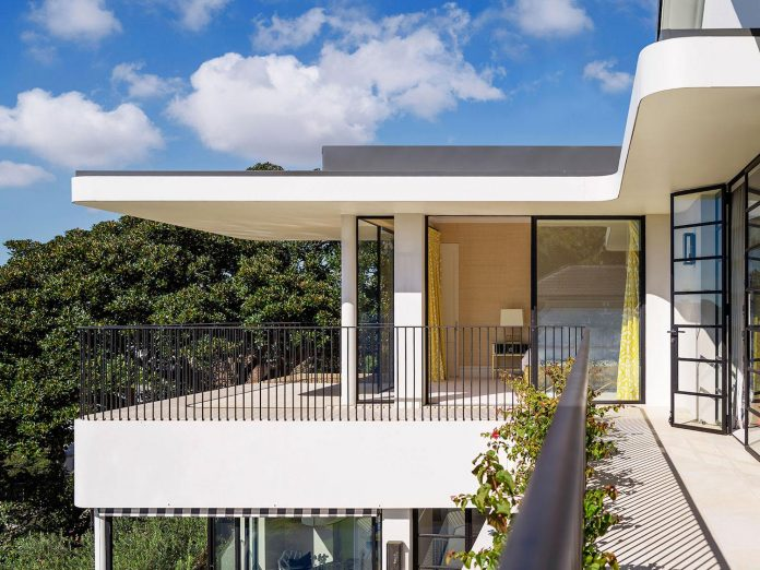 twin-peaks-residence-located-darling-point-luigi-rosselli-architects-13