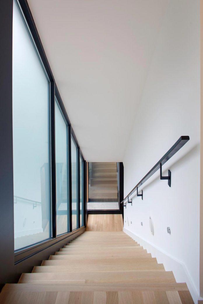two-story-l-shaped-medlin-residence-situ-studio-08