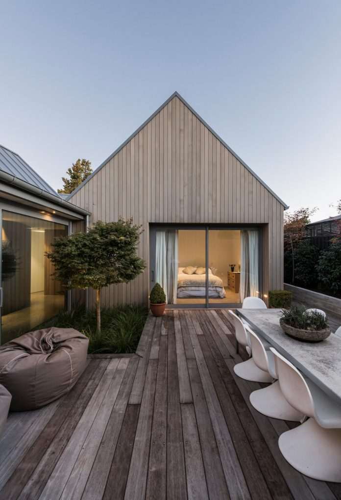 urban-take-typical-english-pitched-roof-christchurch-farmhouse-case-ornsby-design-pty-ltd-20
