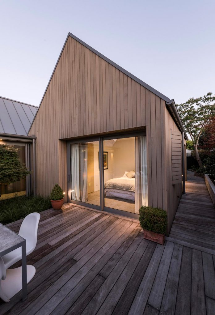 urban-take-typical-english-pitched-roof-christchurch-farmhouse-case-ornsby-design-pty-ltd-24