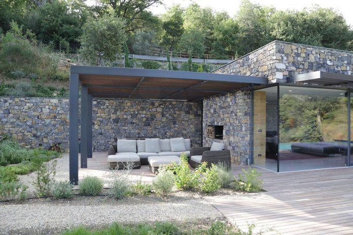 villa-n-natural-stone-facades-giordano-hadamik-architects-05