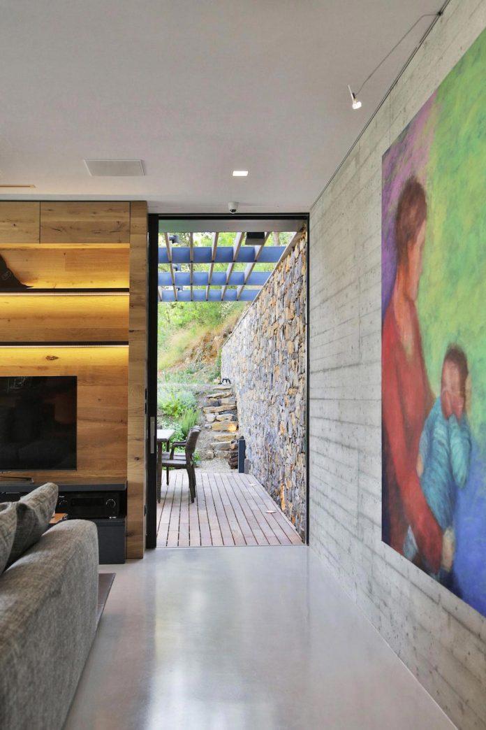 villa-n-natural-stone-facades-giordano-hadamik-architects-07